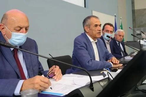 """Cottarelli:""""La crisi finirà quando sarà vinta la pandemia, quindi vacciniamoci"""""""